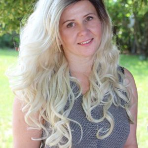 Kolor: jasny blond z odrostem