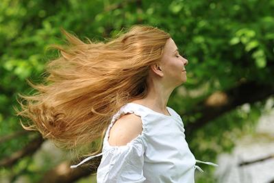 długie peruki